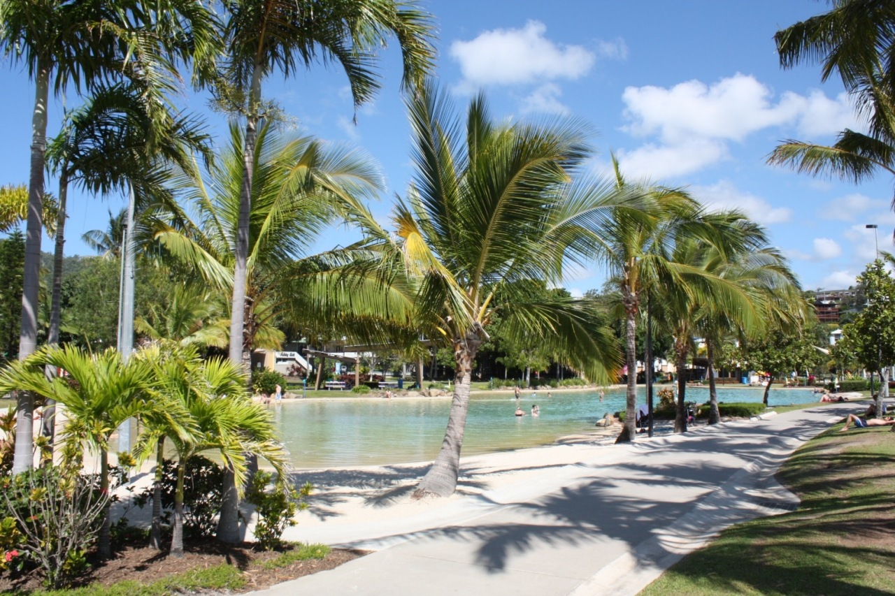 DSC74_Airlie_Beach_Swimming_Lagoon_Pool_Central_Place_(5492018144)